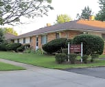 Mayberry Ranch Apartments, Parma Park Elementary School, Parma Heights, OH