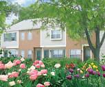 Building, Sawbury Commons/Sandbury Townhomes