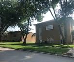 Twixtown Apartments, Oak Ridge School, Marion, IA
