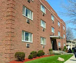 Shaker University Apartments, E 116Th St Station - GCRTA, Shaker Heights, OH