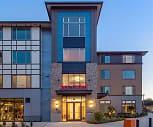 Building, Six Oaks Apartments