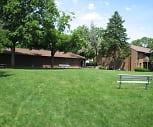 Crystal Lake Apartments, University of Illinois Chicago, IL