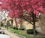 Urban Green Apartments, Clive Elementary School, Des Moines, IA