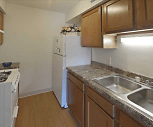 Kitchen, Winterwood Apartments