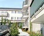 Exterior, West Ridge Apartments