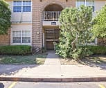 Country Club Apartments, 74401, OK