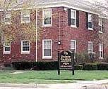 Pointe Gardens, Harper Woods Middle School, Harper Woods, MI