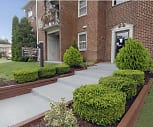 Queens Ridge Apartments, Chadwick Manor, Woodlawn, MD