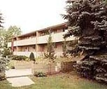 Exterior, University Circle Apartments