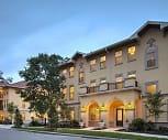 Centro Luxury Apartments, East Gainesville, Gainesville, FL