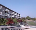 CEDAR GREEN APTS, Rogers High School, Spokane, WA