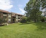 Building, Ridgewood Village Apartments
