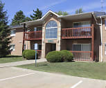 Glenwood Pointe Apartments, Twinsburg High School, Twinsburg, OH