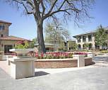 Upper East Side Apartments, Dan D Rogers Elementary School, Dallas, TX
