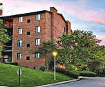 Building, Farmingdale Apartments
