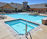 Sparkling pool, Highpointe Park Apartments