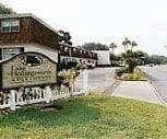 Lake Hollingsworth Apartments, Lawton Chiles Middle Academy, Lakeland, FL