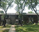 Chateau Rouge Apartments, Sterling Heights, MI