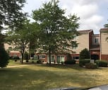 Hillcrest Apartments, Hilltop Elementary School, McHenry, IL