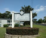 Preston Creek Apartment Homes, Pine Tree Intermediate School, Longview, TX