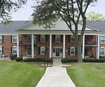 Glens Of Bloomfield Apartments And Townhomes, Conant Elementary School, Bloomfield Hills, MI