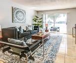 Lake House Apartments, Pinewood, FL