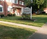 Glenbrook Townhouses, Brook Park Memorial Elementary School, Brookpark, OH