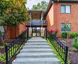 Courtyard Apartments, Jefferson City, MO