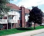 Exterior, Charter Oaks