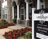 Courtyard, The Lincoln at Fair Oaks