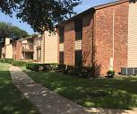 Clayton Pointe Apartments, Bowie High School, Arlington, TX