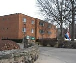 Shady Cove Apartments, Garfield Middle School, Lakewood, OH