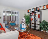Forest Oaks Apartments, Oak Hills Terrace Elementary School, San Antonio, TX