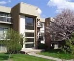 Exterior, Ridgewood Apartments
