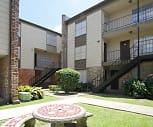 Gates of Oakwood, 70114, LA