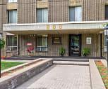 Pallister Plaisance Apartments, Amsterdam Station - M-1 RAIL, Detroit, MI