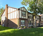 London Towne Apartments, Sweet Home Senior High School, Amherst, NY