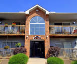 Pebble Creek Apartments, Twinsburg High School, Twinsburg, OH