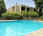 Pool, Wayzata Woods