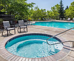 Pool, Cascade Summit Apartment Homes