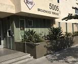 Broadwood Terrace, Hyde Park, Los Angeles, CA