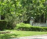 Arbor Glen Apartments, Hilldale Elementary School, Oklahoma City, OK