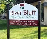 River Bluffs Apartment, Lansing, IA