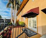 Terrace Oak Apartments, Four D College, CA