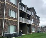Cedar River Bluffs Apartments, Taft Middle School, Cedar Rapids, IA