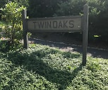 Twin Oaks Apartments, Lebanon, VA