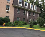 Oak Creek Apartments, Hammarskjold Middle School, East Brunswick, NJ