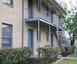 Building, Parkmore Apartments