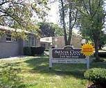 Sutters Creek Apartments, Baker Middle School, Troy, MI
