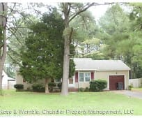 1613 Colonial Ave, Smithfield, VA